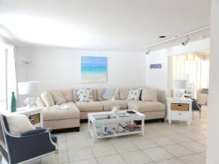 Charming Lido Key Beach House 5 min Walk to Beach! - Sarasota vacation rentals