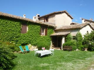 DellaGenga Resort La Torretta 4+1 px - Spoleto vacation rentals