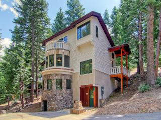Ahwanichi Lodge In Yosemite - Minutes to Valley! - Yosemite National Park vacation rentals