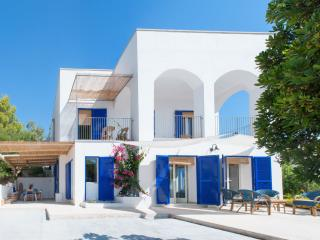Charming Villa with Internet Access and A/C - Torre Vado vacation rentals