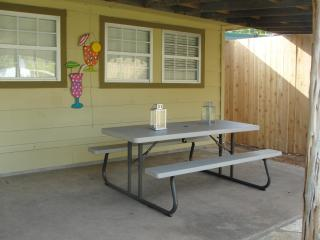 4 bedroom House with Internet Access in Granbury - Granbury vacation rentals