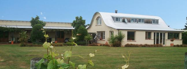 Straw Lodge Boutique Vineyard Accommodation - Image 1 - Blenheim - rentals