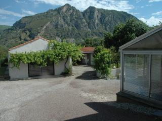 gîte la treille Banat-Tarascon-sur-Ariège - Foix vacation rentals