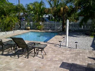 Anthony Beach Cottages Bare Feet Retreat - Holmes Beach vacation rentals