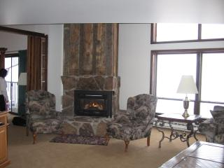Spacious 2story penthouse condo w/ mountain views - Vail vacation rentals