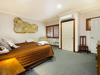 Artisan Spa views Luxury House at Maleny Montville - Sunshine Coast vacation rentals