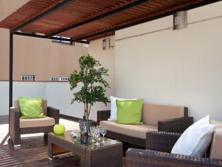 Enjoybcn Colon Apartments- Near to everything - Barcelona vacation rentals