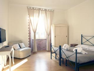 Monti Old Rome Apartment - Rome vacation rentals