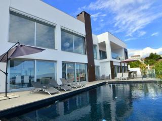 Modern Villa with heated infinity pool & sea views - Salobrena vacation rentals