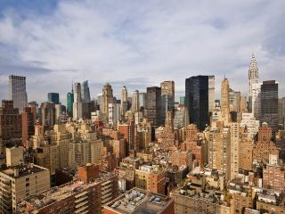 EAST 34TH STREET & FIRST AVE~3 BR APARTMENT WITH 24 HOUR DOORMAN~ELEVATOR~GYM - New York City vacation rentals