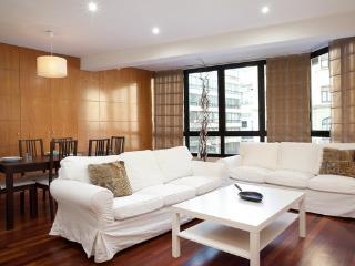 1787- Apartamento Augusta - Barcelona vacation rentals