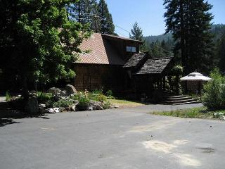 Lake Almanor Dept Water LakeFront with Dock - Lake Almanor vacation rentals