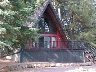 Country Club A-Frame Cabin Near Recreation Area 1 - Shasta Cascade vacation rentals