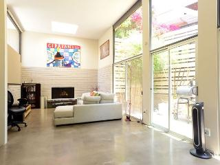 Modern 2 Bedroom Retreat - Beverly Hills vacation rentals