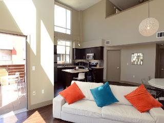 Gorgeous 1 Bedroom plus loft sleeps up to 6 - Los Angeles vacation rentals