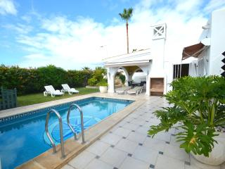 Luxury villa in Madronal with private heated pool - Fanabe vacation rentals