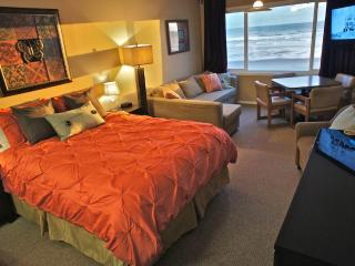 Dock Cousteau - Cute beachfront condo. Sleeps 6 - Lincoln City vacation rentals