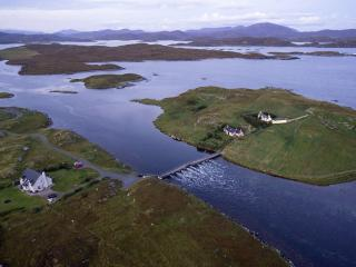 Valasay - Great walking, Sea Views + Free WIFI. - Great Bernera vacation rentals
