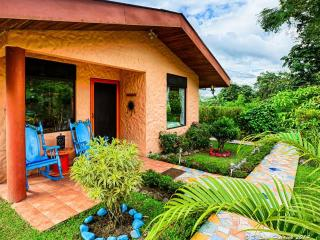 Lovely Cottage Home, Fantastic Views of Lake Arenal & Volcano, Great Reviews! - El Castillo vacation rentals