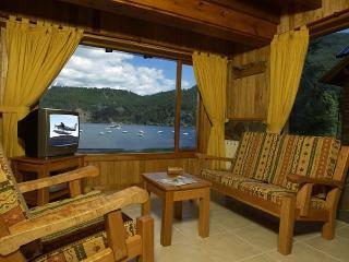 Valldemossa Apart Departamento Vista Al Lago - Province of Neuquen vacation rentals