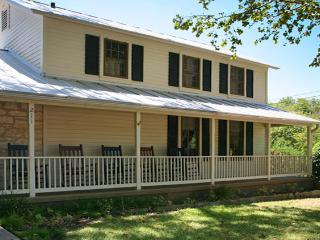 Creek and Crockett - Fredericksburg vacation rentals
