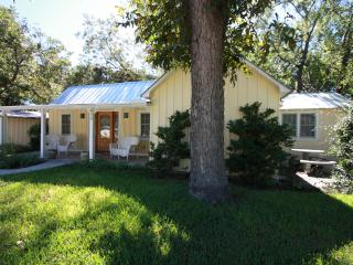 Creekview Cottage - Just a Short Drive to Main St. - Fredericksburg vacation rentals
