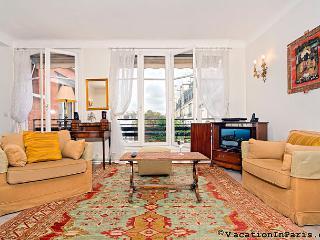 Luxembourg Two Bedroom Splendor - ID# 123 - Ile-de-France (Paris Region) vacation rentals