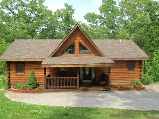 All Wood 4 bedroom Log Cabin, hot tub, SPECIALS - Ridgedale vacation rentals