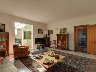 Via Santa Maria / A small villa in the most beautiful and prestigious part of Florence - Fiesole vacation rentals