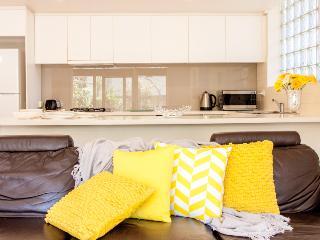SOUTH YARRA -  RESORT LIVING  -   POOL - Melbourne vacation rentals