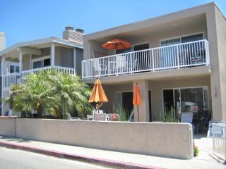 Ocean View! Patio/BBQ//Garage/4 Bikes/Washer/WiFi - Newport Beach vacation rentals