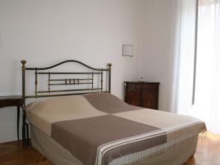 San Cosimato Two Bedroom Apartment - Rome vacation rentals