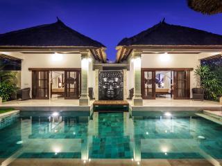3 bedroom Villa Rama in the heart of Seminyak Bali - Seminyak vacation rentals