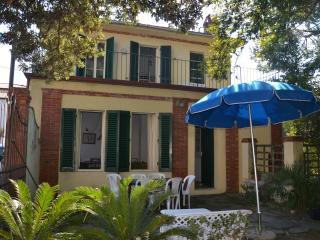 Villa il Gladiolo - Marina Di Pietrasanta vacation rentals