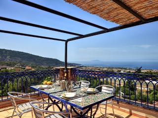 Annamaria, Spacious loft with contemporary style - Massa Lubrense vacation rentals