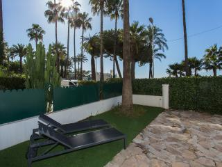 Modern 2 bedrooms on La Croisette 332 - Cannes vacation rentals