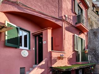 Aurora Resort, A charming apartment next to the sea - Campania vacation rentals