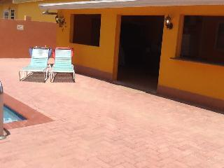 Tastefully decorated home in Paradera Villa Park. - Paradera vacation rentals