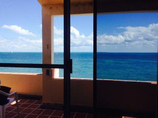 Rooftop Beautful Ocean View #409 Amazing View - Cancun vacation rentals
