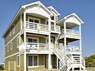 Spacious 8 bedroom House in Nags Head with Deck - Nags Head vacation rentals