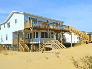 OCEANFRONT, PET FRIENDLY - bottom unit in S. Nags Head - Nags Head vacation rentals