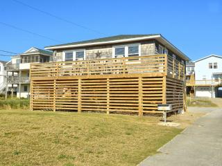 SEMI-OCEANFRONT, PET FRIENDLY easy beach access and location to restaurants - Nags Head vacation rentals