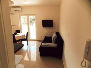 Jimmy 3 - apartment for 6 in Novalja - Novalja vacation rentals