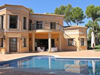 Casa de Lujo Sol de Mallorca - Calvia vacation rentals