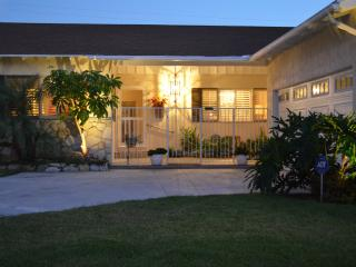 Luxury,Spacious 2250' Home -  Park/ Walk to Disney - Anaheim vacation rentals