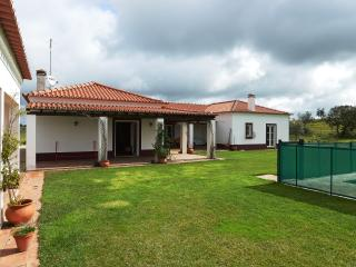Feels Like Home Monte 7 Pernadas - Borba vacation rentals