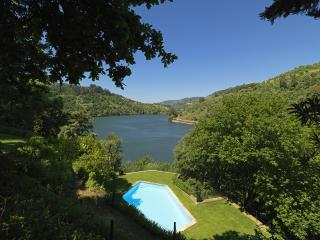 Feels Like Home Douro Valley Chalet - Resende vacation rentals