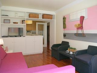 Feels Like Home Park Beach Apartment - Matosinhos vacation rentals
