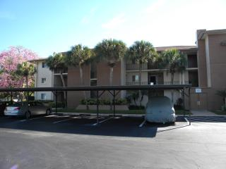 Vacation Condo at Barkeley Square - Fort Myers vacation rentals