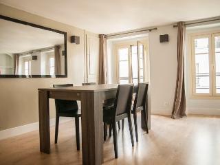 Into Paris Charming Le Marais - Paris vacation rentals